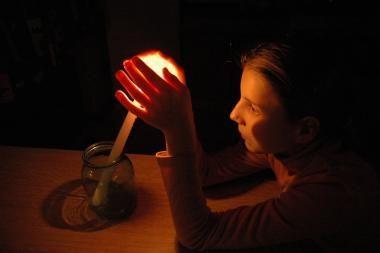 Atnaujinamas elektros tiekimas dėl audrų jos netekusiems gyventojams