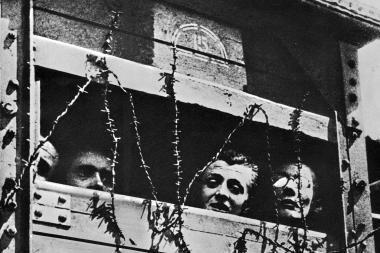 Į Lietuvą pagerbti Holokausto aukų atminimą atvyko Izraelio karių ir civilių delegacija