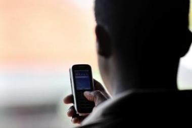 Plėšikas su pagrobtu telefonu parskuodė namo