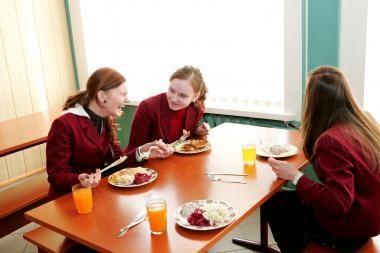 Nemokamus pietus gaus ne visi mokiniai