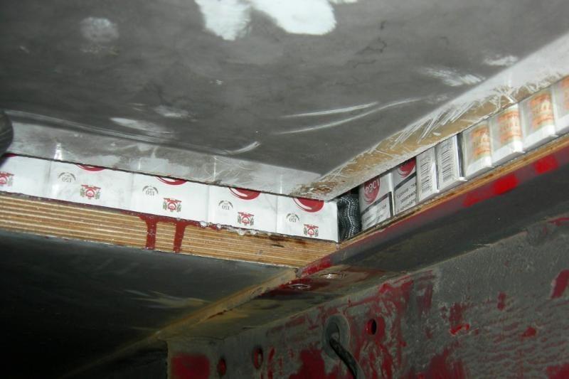 Automobilyje aptiko beveik 400 tūkst. kontrabandinių cigarečių