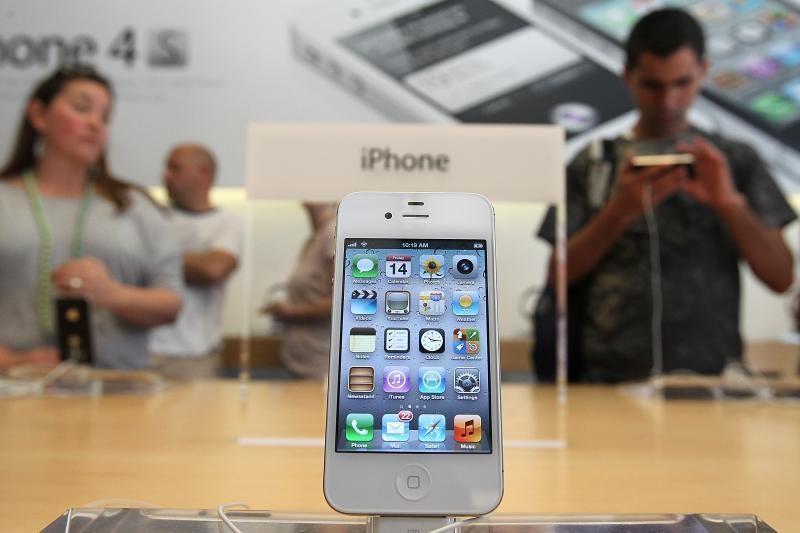 Išmaniųjų telefonų savininkų JAV skaičius viršijo 100 mln.