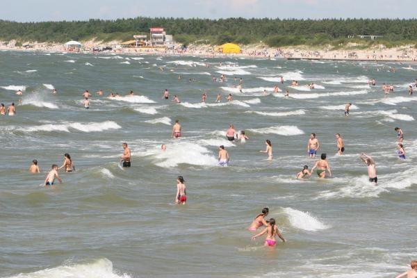Jūros šventės metu - sunkūs išbandymai pajūrio gelbėtojams