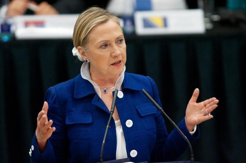 H.Clinton patvirtino ketinanti atvykti į Vilnių gruodį