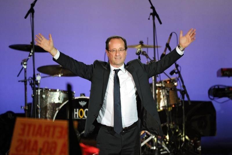 F.Hollande'as nori plėtoti euro zonos ekonominę sąjungą