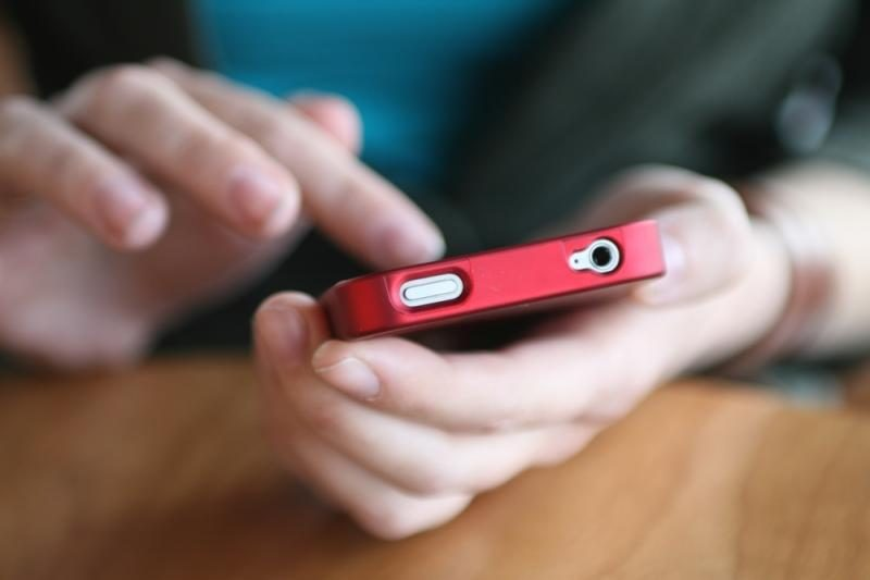 Plėšikai iš nepilnamečių atėmė telefonus