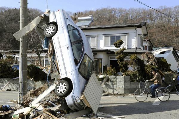 Investuotojai nerimauja dėl žemės drebėjimų ir cunamio Japonijoje