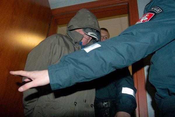 Nuteisti merginą greitosios pagalbos automobilyje išžaginę vyrai (papildyta)