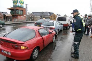 Ant Pilies tilto susidūrė trys mašinos