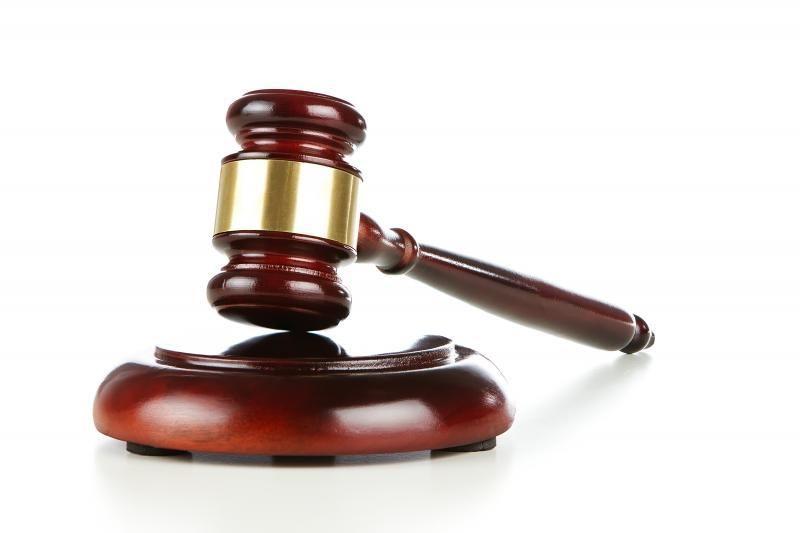 Panevėžio mero patarėją teismas mėnesiui nušalino nuo pareigų