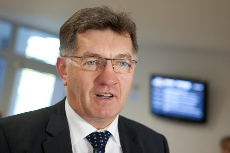 A.Butkevičius kritikuoja privalomą pirkimą iš SGD terminalo
