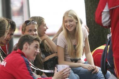 Linkstama riboti energetinių gėrimų prieinamumą jaunimui