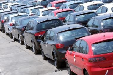 Naujų lengvųjų automobilių Estijoje pernai įsigyta 2,5 karto mažiau