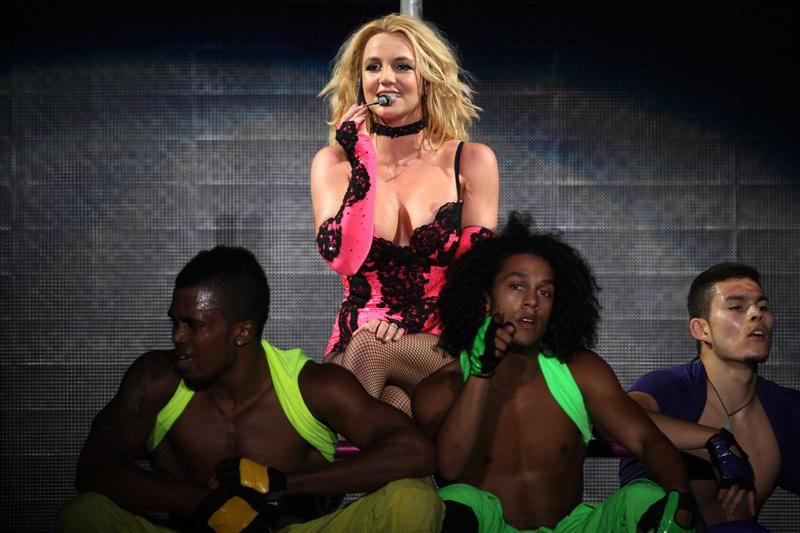 Adamas Lambertas ir Britney Spears – seksualiausi popatlikėjai