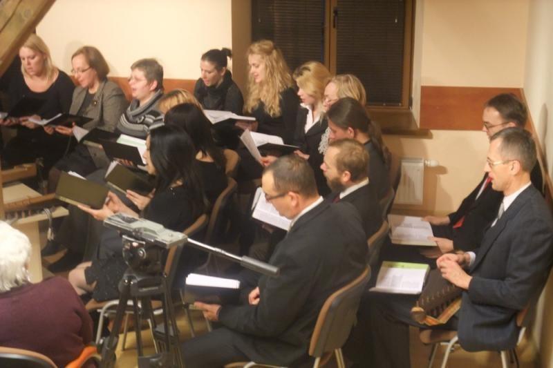 Apie krikštynų papročius – aidint senosioms giesmėms
