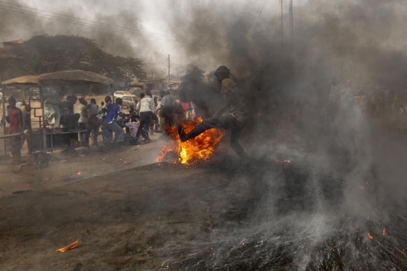 Nigerijoje studentų žudynių aukų skaičius pasiekė 40