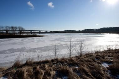 Ugniagesiai įspėja: pirmasis ledas ypač pavojingas