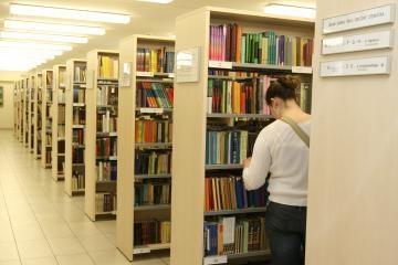 Kultūros ministerija apdovanos dvi bibliotekininkes