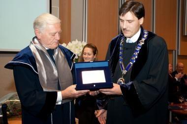V.Adamkui - dar vienas garbės daktaro vardas