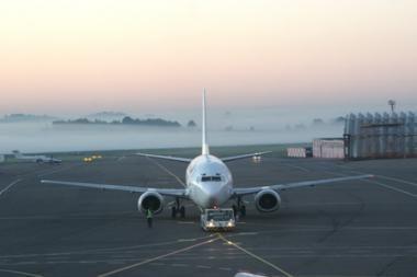 Vilnaus oro uostas dėl prastų oro sąlygų nebepriima lėktuvų