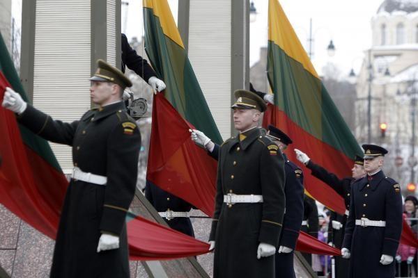 Užsienio ministrai Lietuvą sveikino socialiniame tinkle