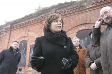 Ministrė R.Juknevičienė Kaune pateko į nedidelę avariją