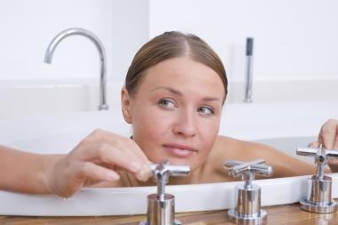 Dėl karšto vandens neapsisprendė penktadalis klaipėdiečių (papildyta)
