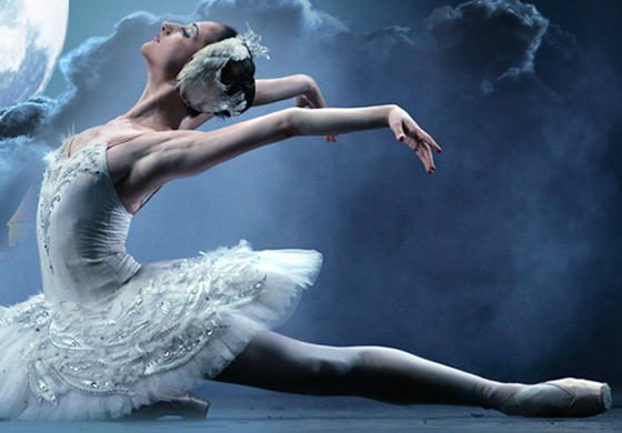 """Maskvos Didžiojo teatro žvaigždės """"Gulbių ežerą"""" šoks Galvės ežere"""