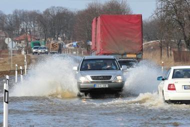 Potvynis pamaryje: vanduo kyla, bet netikėtumų nesitikima (papildyta)