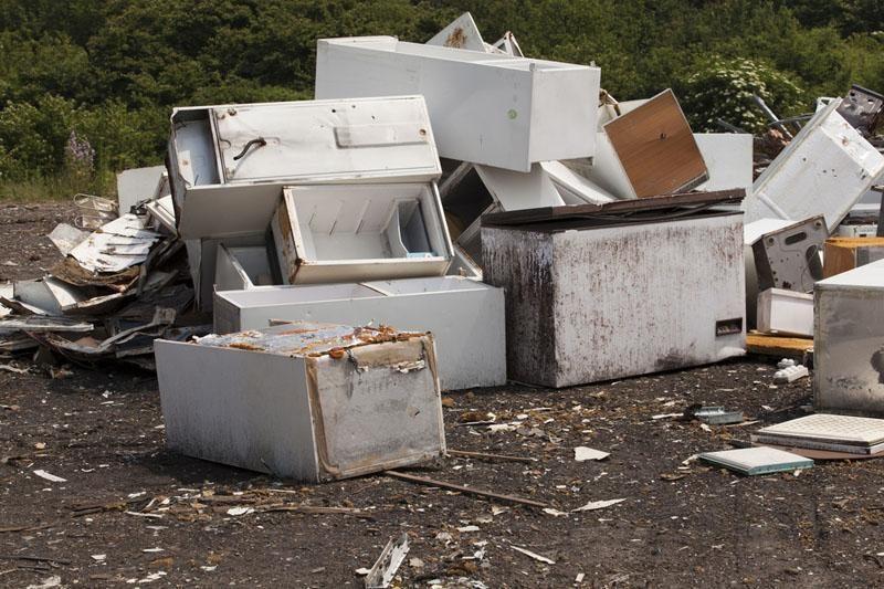 Kaimo bendruomenės skatinamos tvarkyti pavojingas atliekas