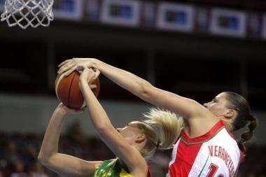 Moterų krepšinio rinktinės vairas – R.Petroniui?