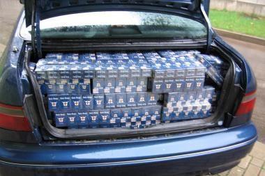Automobilio bagažinėje — kontrabandinės cigaretės