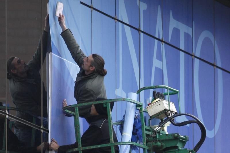 A.Vershbow: NATO niekas nemėgsta mėgėjų važinėti nemokamai