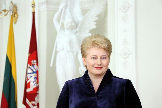 Prezidentė: pasitikėjimo, tvirtybės, ryžtingų 2013-ųjų