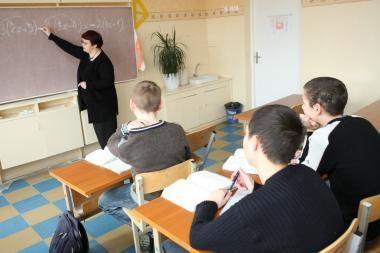 Mokytojus vargina popierizmas