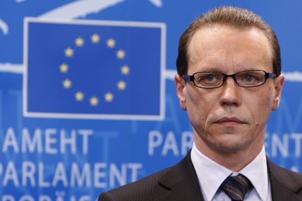 Europarlamentarai patvirtino naujos sudėties Europos Komisiją