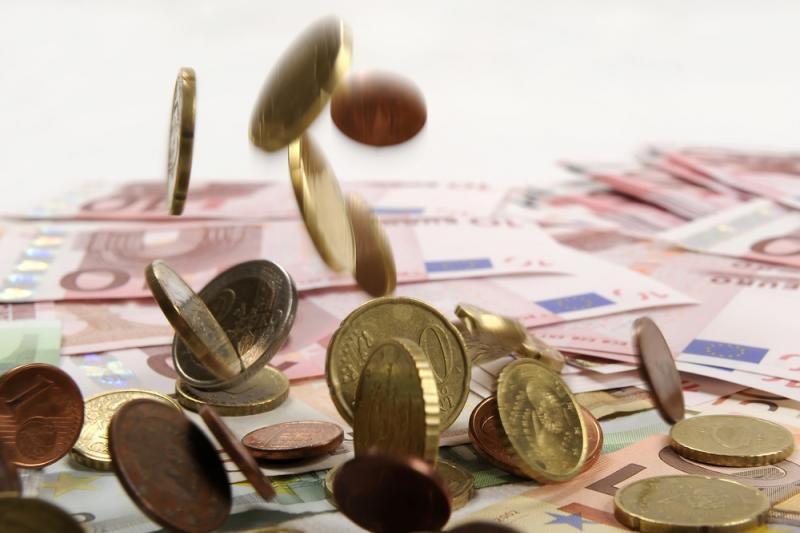 Iš euro zonos – atsiskaitymų vėlavimo ženklai