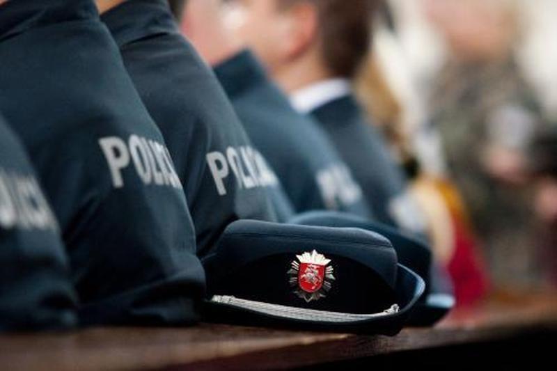 Palangiškis kėsinosi sumušti policijos pareigūnus