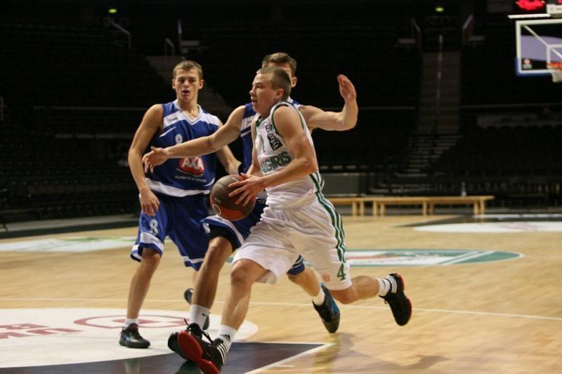"""""""Žalgiris"""" įtikinama pergale pradėjo Eurolygos jaunimo turnyrą"""