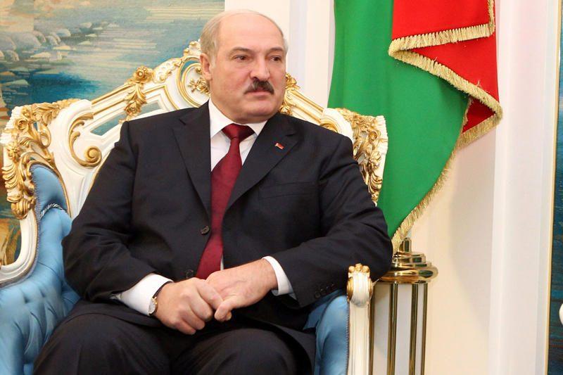A.Lukašenka ragino valdininkus daugiau dirbti fizinio darbo