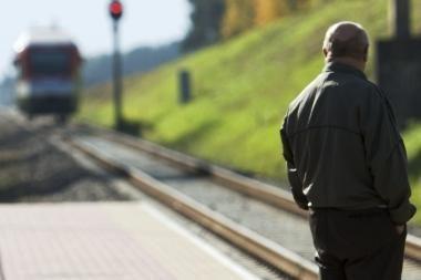 Moterį pražudė traukinys?
