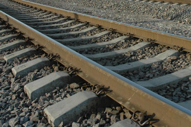 Girtas vyras sutrikdė traukinių eismą