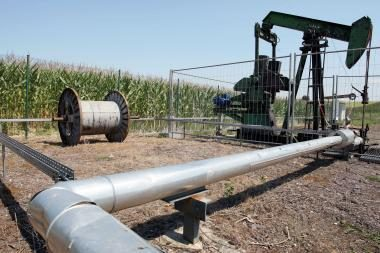 Naftos kaina pamažu kyla