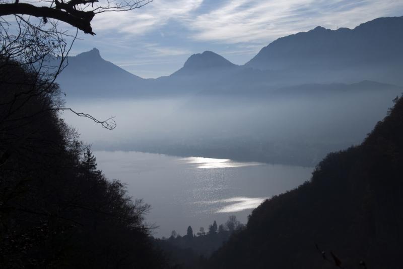 Prancūzijos pareigūnai teisinasi dėl veiksmų po žudynių Alpėse