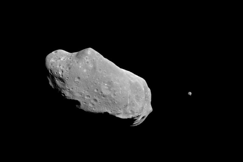 Žemę nuo asteroido apsaugos atominė bomba?