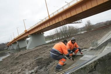 Tiltas po remonto pakvips mandarinais