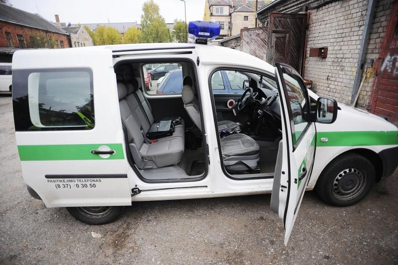 Visuose policijos automobiliuose jau įrašinėjamas vaizdas ir garsas