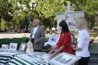 Baltųjų Vilniaus stulpų atkūrimui paremti – simboliniai marškinėliai