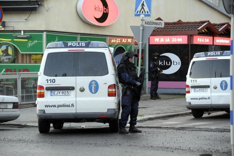 Suomijoje aštuoniolikmetis nušovė du žmones, sužeidė dar septynis
