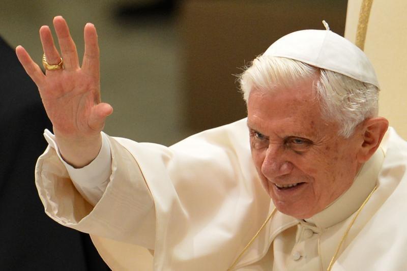 Atsistatydina popiežius Benediktas XVI